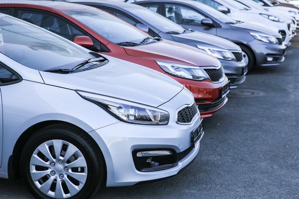 レンタカー業者の選び方のコツは?プランや利用目的別に選び方を解説